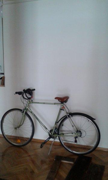 Így készül a házi bringatartó régi deszkákból