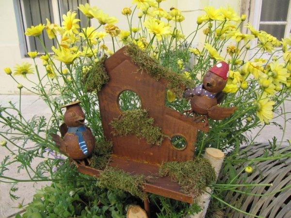 Mi történt, hogy virágos dekorációk lepték el Székesfehérvárt?