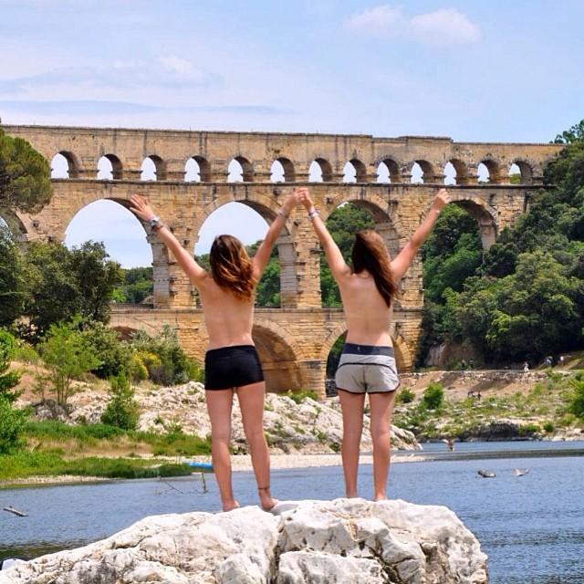 Topless tour: a félmeztelenség az új divat