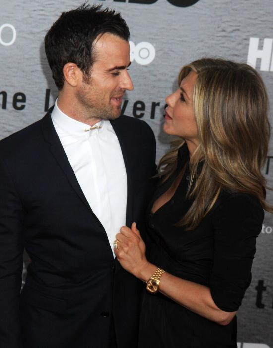 Ilyen szerelmes Jennifer Aniston és vőlegénye - galéria