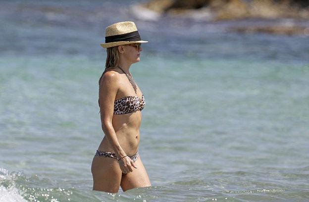 Kate Hudson párducmintás bikiniben mutatta meg szexi testét