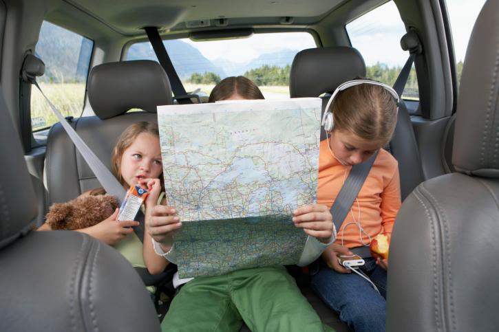 9+1 játék, hogy ne unatkozzon a gyerek a kocsiban