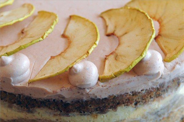 Kóstolás előtt a sütőtökös-almás (Fotók: MTI/Honéczy Barnabás)