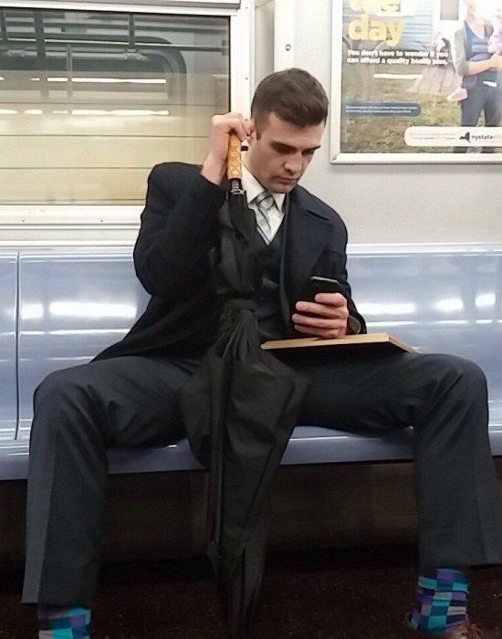 Ezért ülnek terpeszben a férfiak
