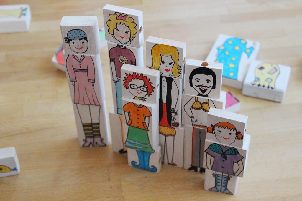 Készítsünk vicces figurákat régi építőkockákból!