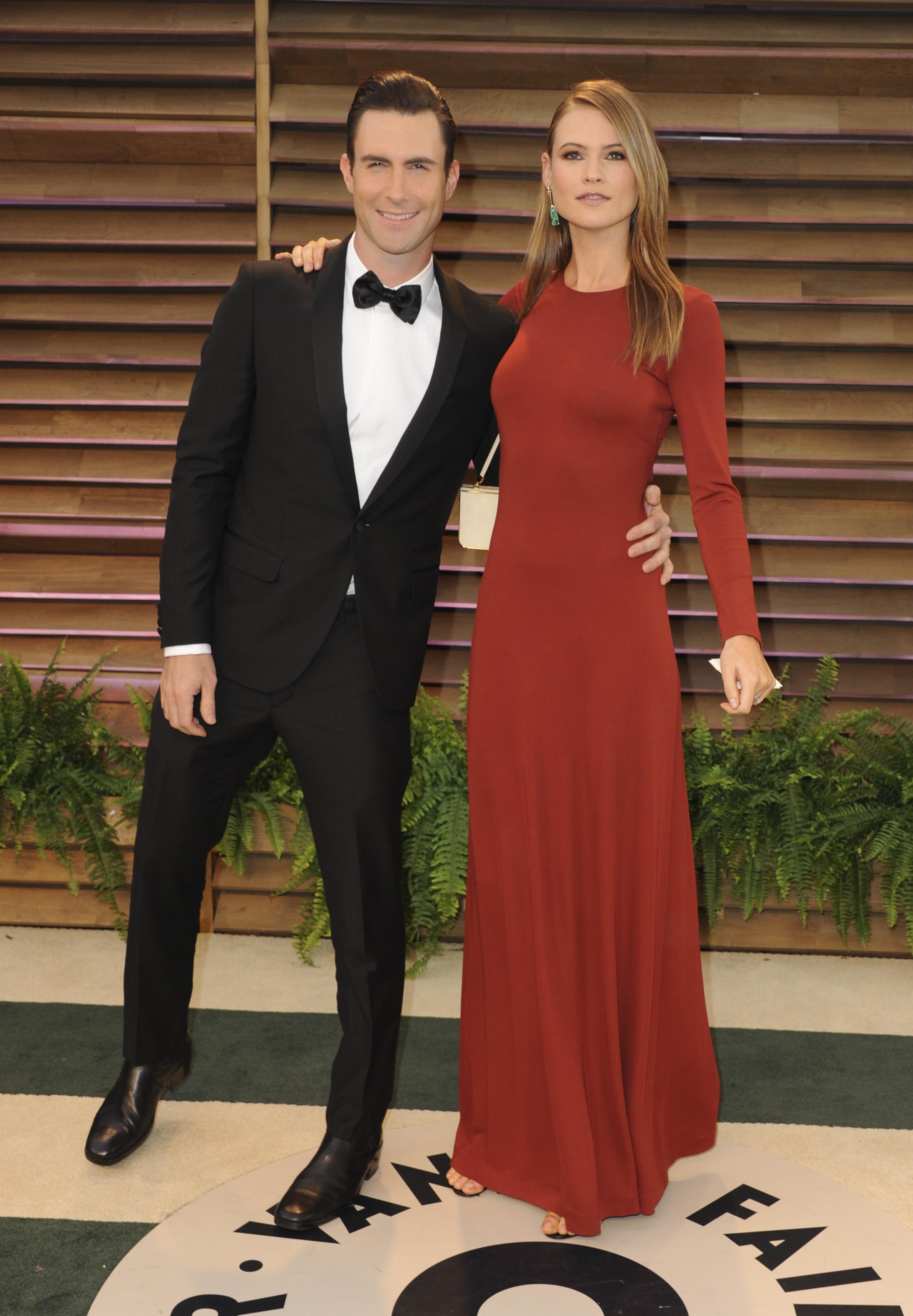 A nap legszomorúbb híre: megházasodik Adam Levine
