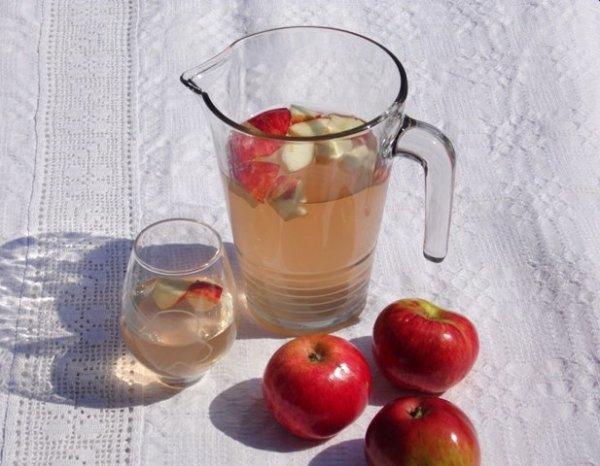 Jeges almatea almahéjból