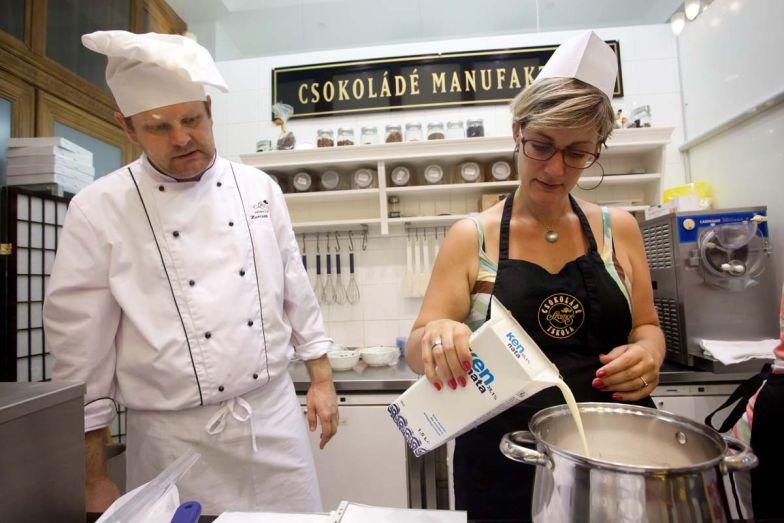 Beálltunk fagyit főzni egy igazi cukrászmester mellé