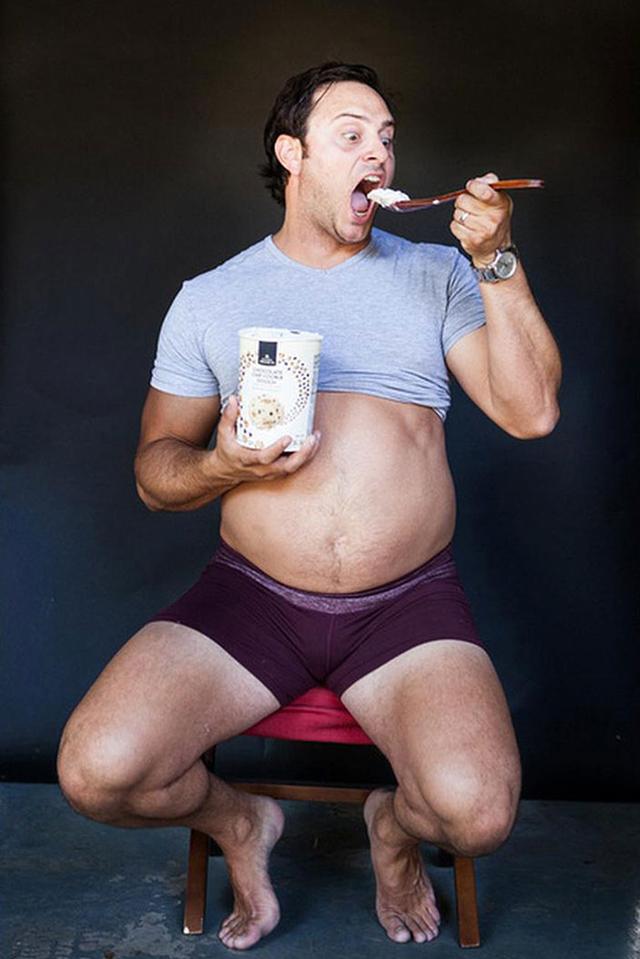 Magáról készíttetett terhesfotókat egy férfi