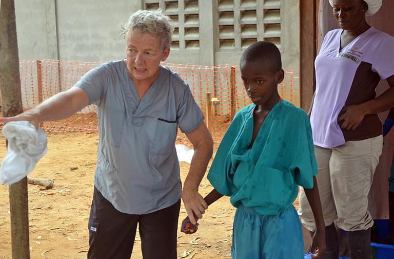 Pusztít az ebola. Ki állítja meg?