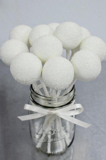 Pálcás nyalánkságok: látványos édességek, amikhez nem kell kézügyesség