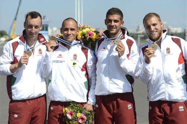 Kiss Tamás, Sarudi Pál, Varga Dávid, Vass András (b-j) a bronzéremmel - Fotó: Kovács Tamás / MTI