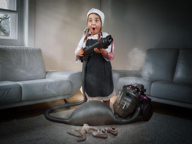 Varázslatos képeket készített lányairól a Photoshop-őrült apa