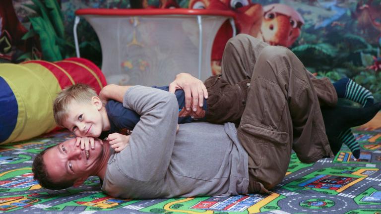 Kisfiával együtt Tunéziában ragadt Németh Kristóf
