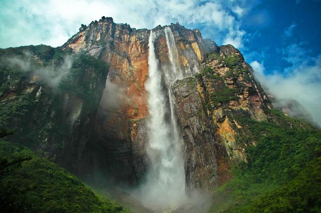 Így néz ki a világ legmagasabb vízesése felülről - fotók