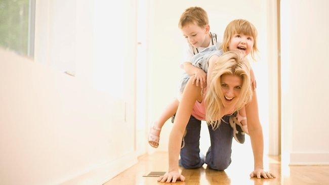 Ki lehet boldog anya? Cseléd vagy vagy motor?