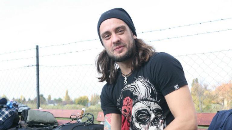 Baleset érte az Éjjel-nappal Budapest Dávidját