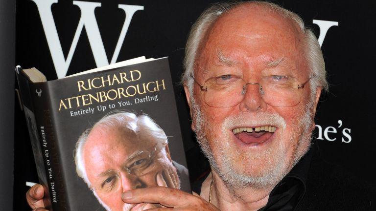 Elhunyt Richard Attenborough