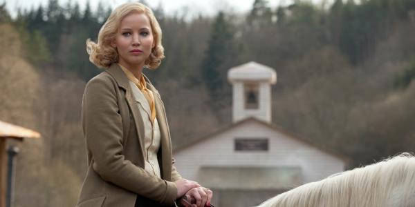 Jennifer Lawrence és Bradley Cooper új filmje annyira szörnyű, hogy senki nem akarja bemutatni
