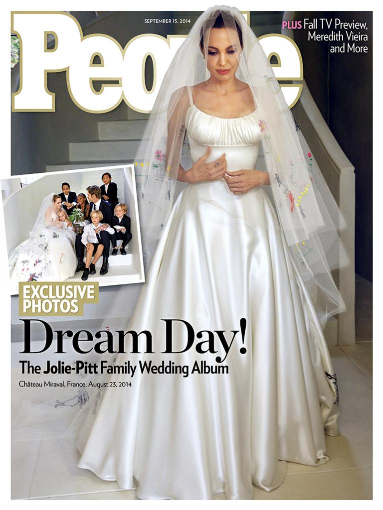 Íme, Angelina Jolie és Brad Pitt első esküvői fotója!