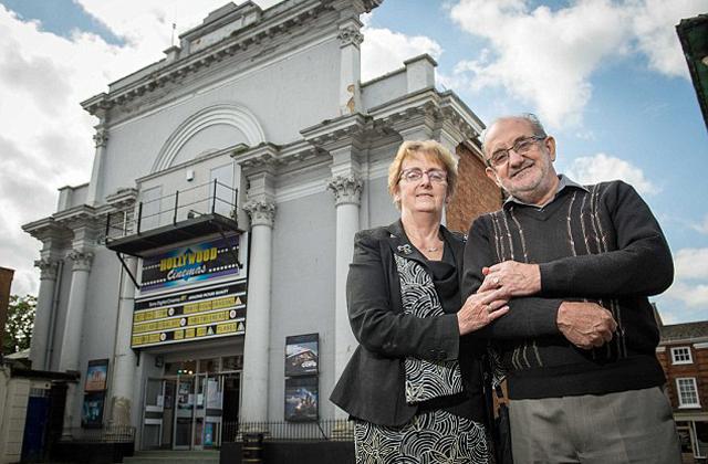 Első randevújuk helyzsínére vitte feleségét az 50. évfordulón