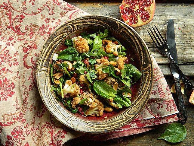 Mit főzzek ma vacsira? Sültkarfiol-salátát!