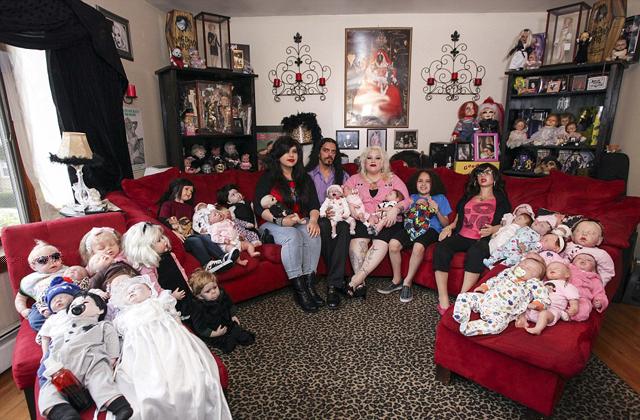 300 élethű babával él együtt egy nő