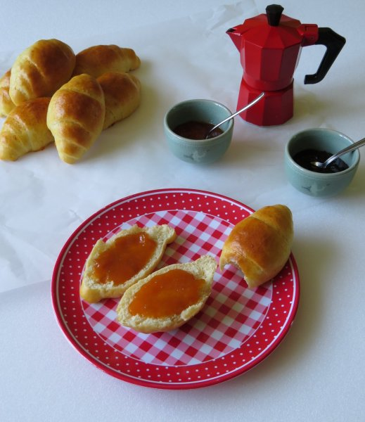 Hétköznapi luxus: vajas tekercs reggelire