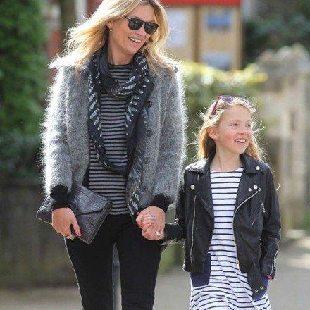 Kate Moss és Lila Grace - hasonló szettben