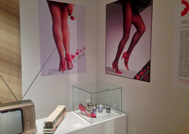 Priscilla cipő a kiállításon