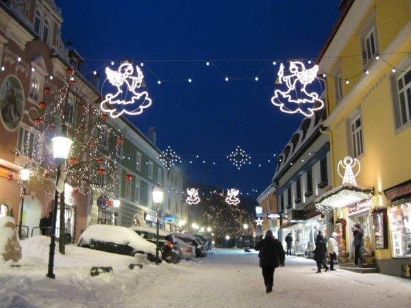 Hangulatos karácsonyi vásárok nem csak Bécsben