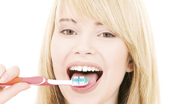 Hihetetlen, de igaz: nem mosnak fogat!