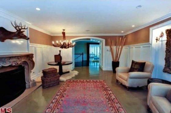 Nézd meg, milyen csodás házban él az énekesnő!