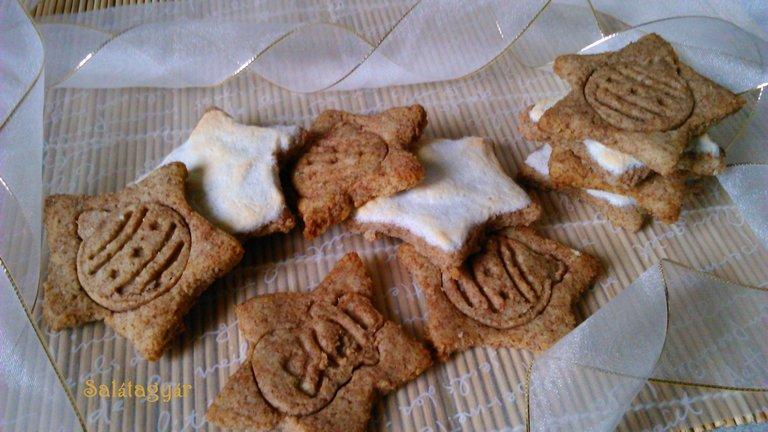 Karácsonyi fűszeres habcsillagok liszt nélkül
