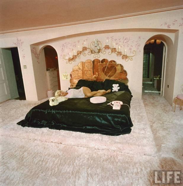 Kukkants be Jane Mansfield egykori palotájába!