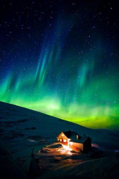 Lélegzetelállító fotók: sarki fény Svédországban