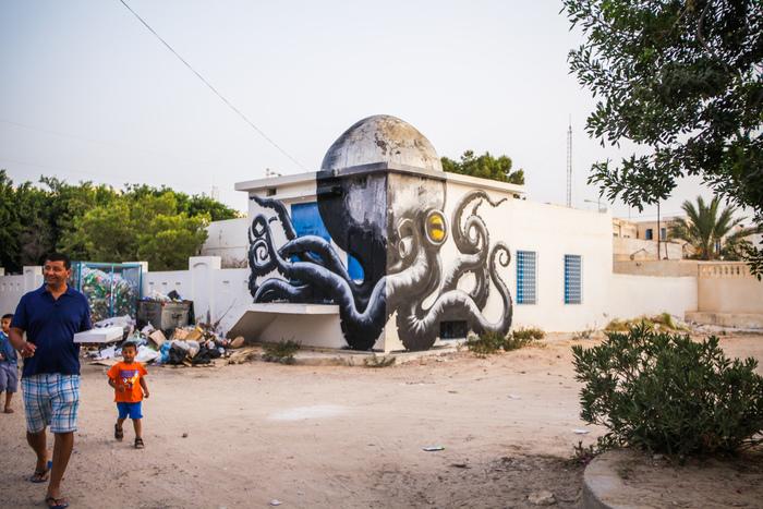 Látványos falfirkákat engedélyeztek egy városban