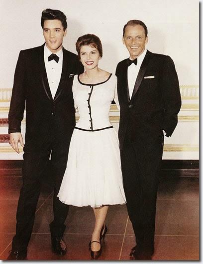 Frank Sinatrával és lányával szoros barátságot ápolt. Leszerelésekor Nancy várta őt a reptéren és hatalmas bulit csaptak a tiszteletére. Ez a fotó 1960-ban készült róluk.