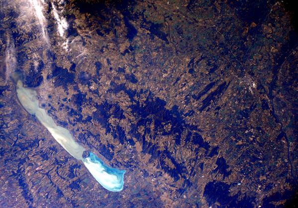 Így néz ki a Balaton az űrből