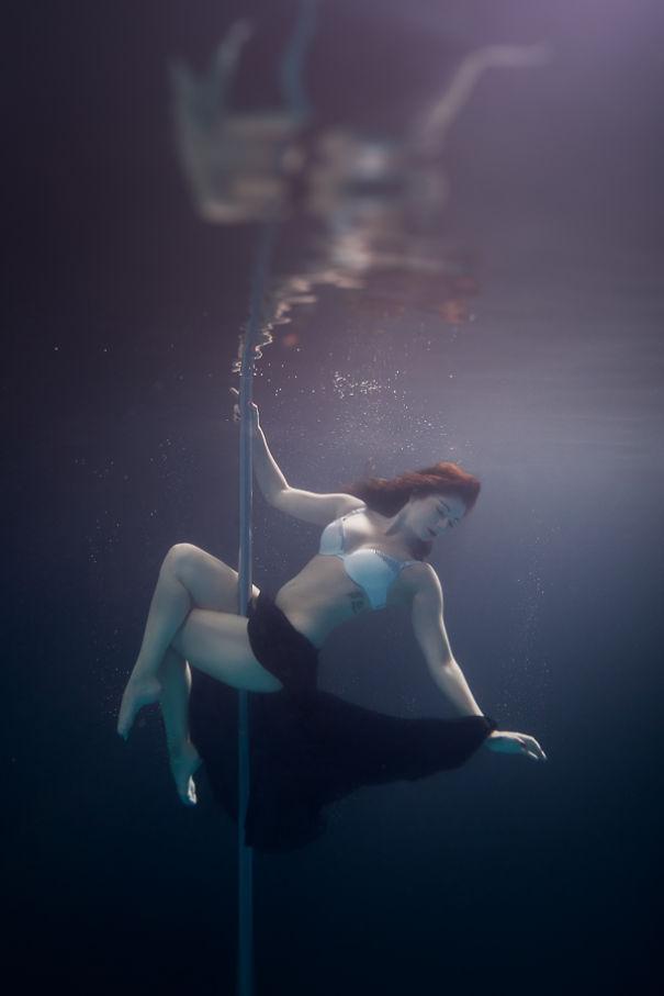 Nem hiszed el, de a víz alatt is lehet rúdtáncolni - fotók