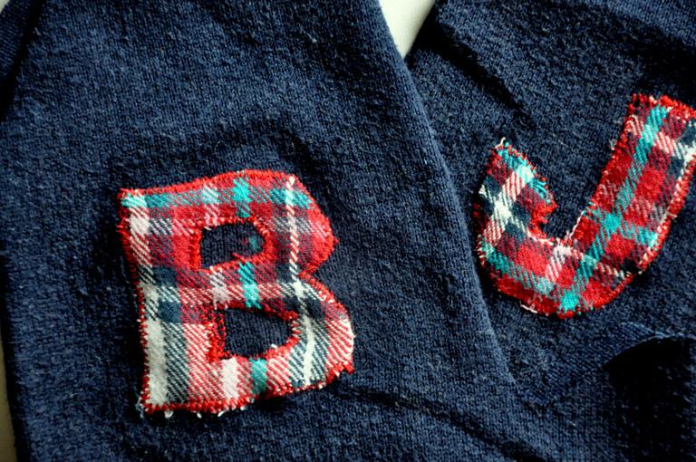 Újévi újrahasznosítás: így lesz kesztyű a régi pulcsiból