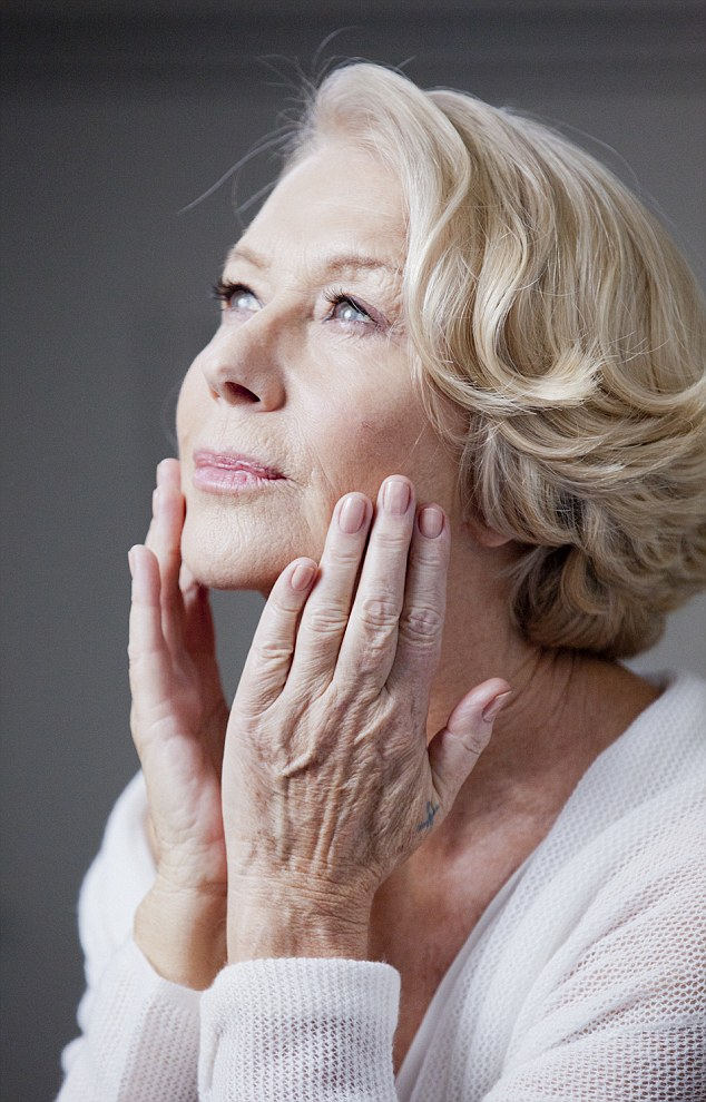 Így néz ki Helen Mirren retusálatlanul
