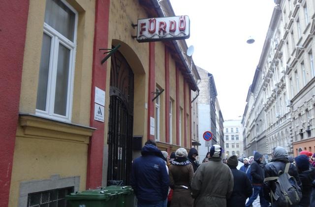 A Kürt utcai épület régen közfürdőként üzemelt