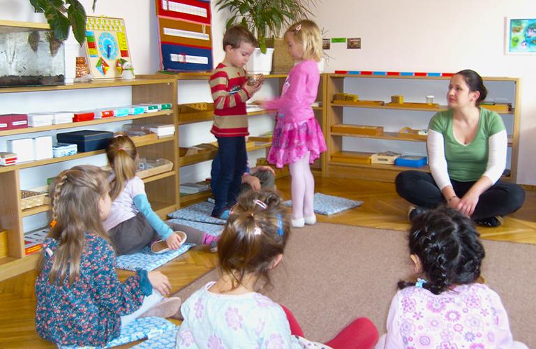 Egy Montessori-óvodásnak semmi nem kötelező