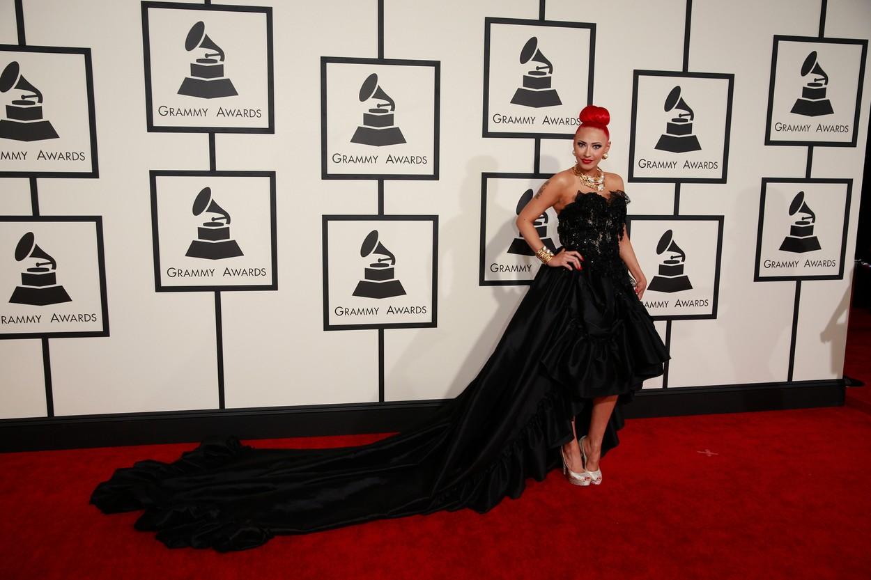 Grammy-gála: Kim Kardashian mellet, Madonna feneket villantott