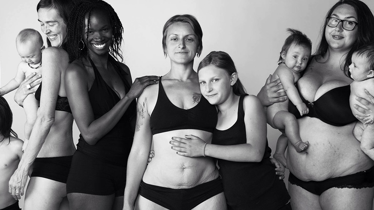 Fotó: Jade Beall - The Bodies of Mothers: A Beautiful Body Project