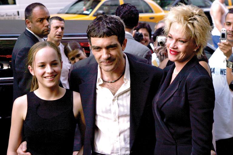 Dakota Johnson, Antonio Banderas és Melanie Griffith a