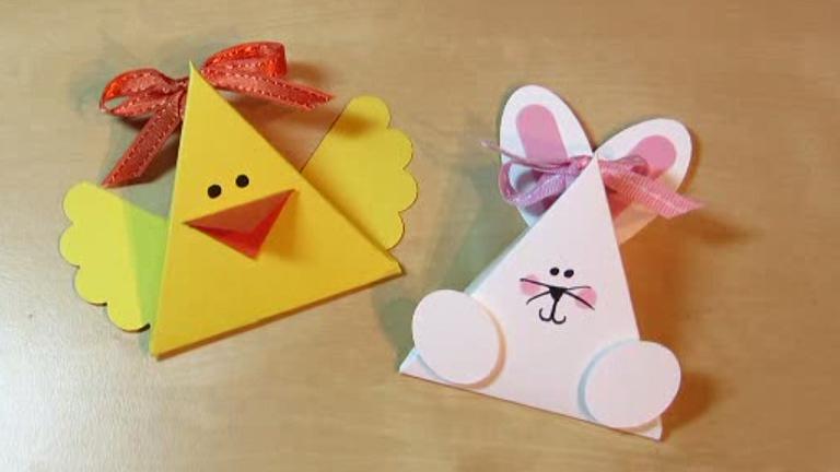Húsvéti dekoráció papírból: nyúl és csibe az asztalra