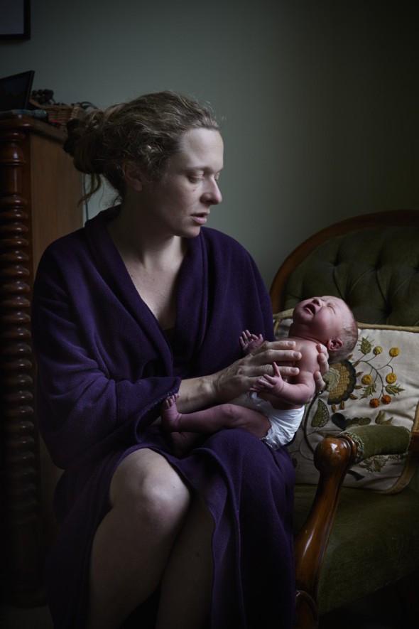 Csodaszép fotók: anyák, egynapos babáikkal