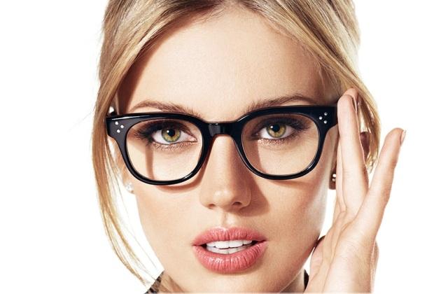 Divat a szemüveg - így válassz keretet
